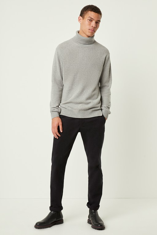 Complete the Look Cashmere Roll Neck Sweater
