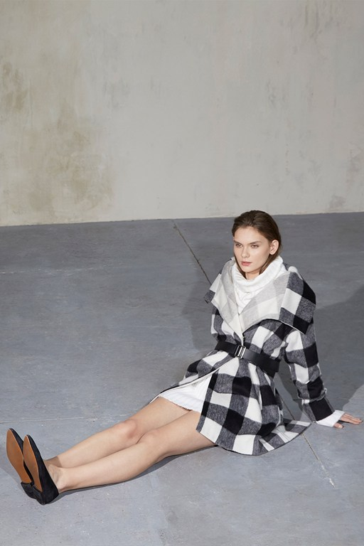 Complete the Look Jackie Checked Wide Collar Coat