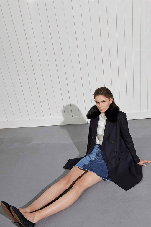 Complete the Look Platform Felt Faux Fur Collar Coat