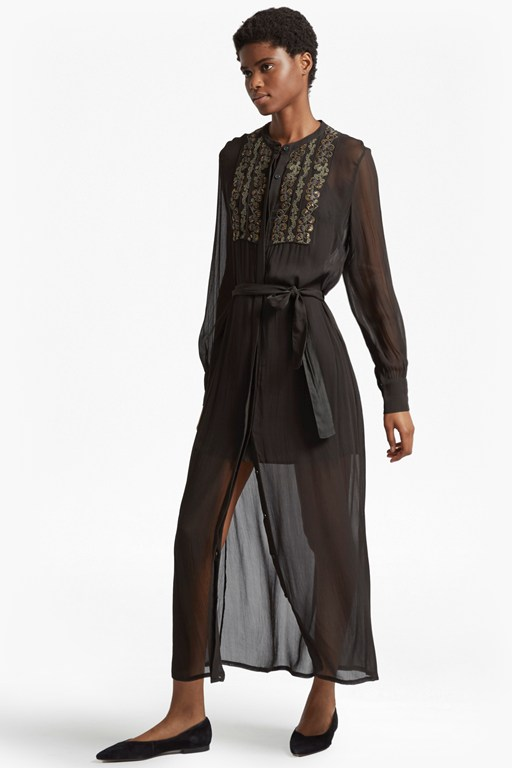 Complete the Look Donna Sheer Embroidered Maxi Dress