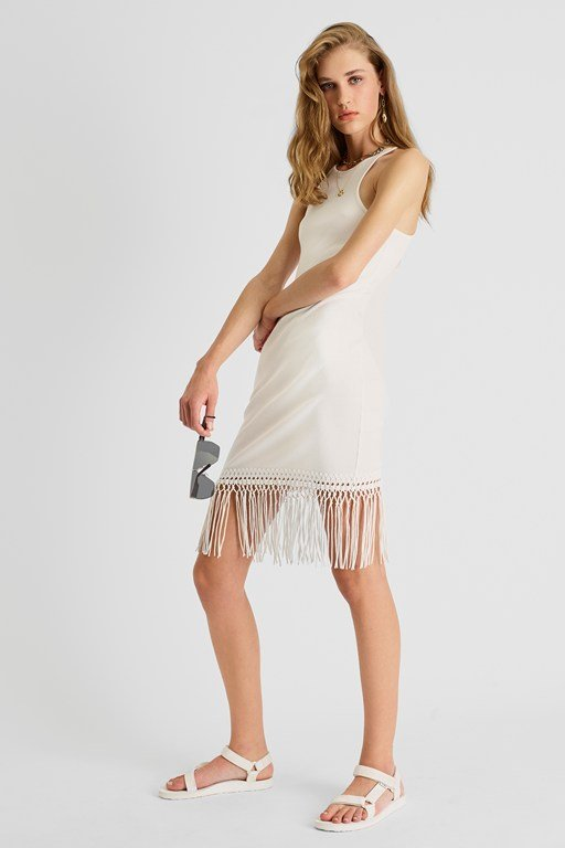 Complete the Look Sol Fringe Bodycon Halter Neck Dress