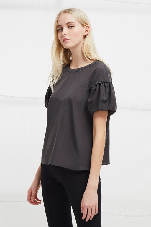 crepe light puff sleeve top