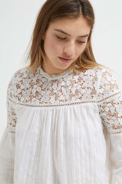 coletta cotton broidery top