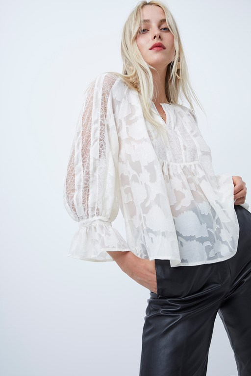 Complete the Look Bee Lace Mix Smock Blouse