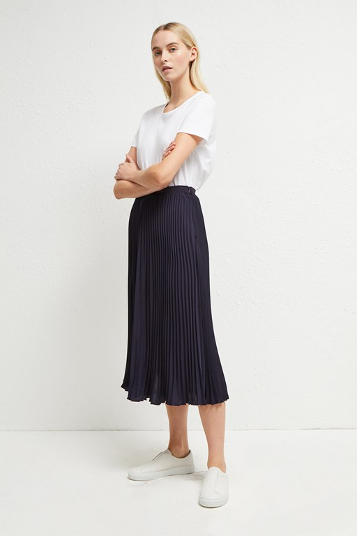 crepe light pleated midi skirt