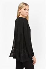 Looks Great With Arrow Lace Back Jersey Jumper