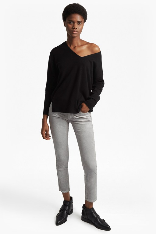 Complete the Look Della Vhari Long Sleeved V Neck Jumper