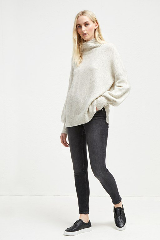 orla flossy balloon sleeve jumper