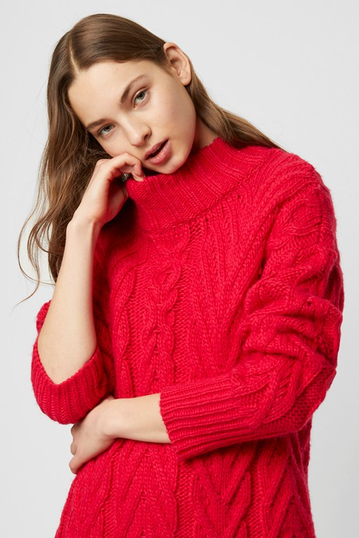 nissa chunky cable knit sweater