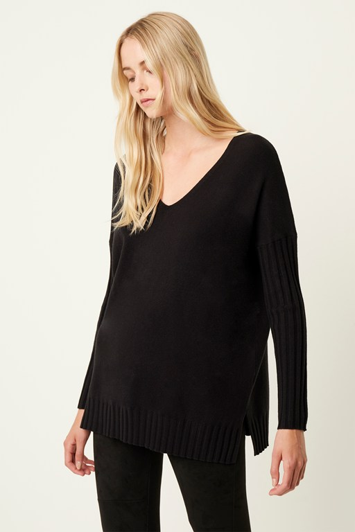 Complete the Look Vhari Rib V Neck Sweater