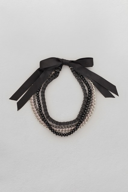 Ribbon Chain Collar Necklace