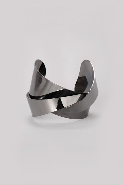 twisted metal cuff
