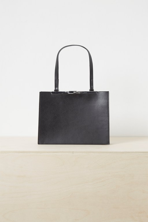 letty clasp shoulder bag