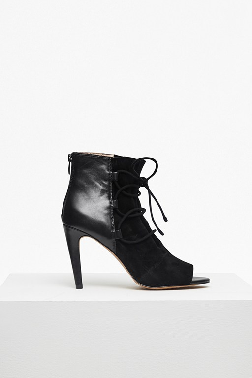 Complete the Look Quintina Lace Up Heeled Boots