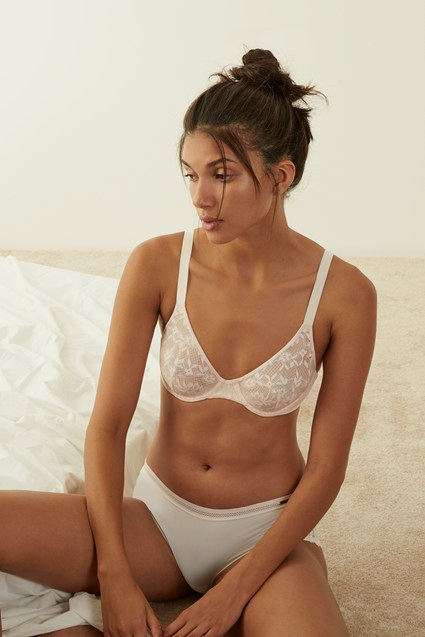 Signature Lace T-Shirt Bra