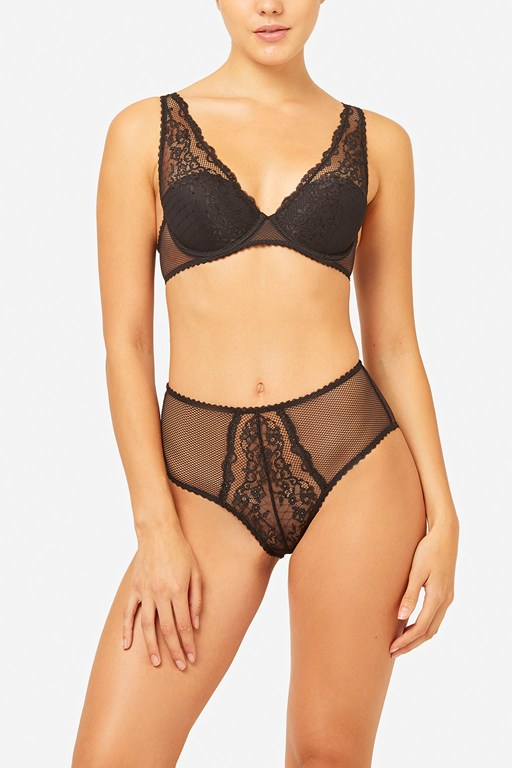 Complete the Look Lace Mix Hi-Apex Bra