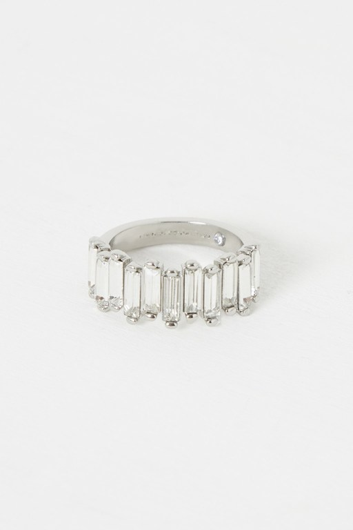 Complete the Look Cluster Ring