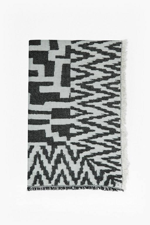 geometric patterned scarf